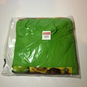 Supreme fruit tee size large (green)